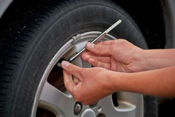 Check Tire Pressure >> The Blue Ribbon Project How To Properly Check Tire Pressure And